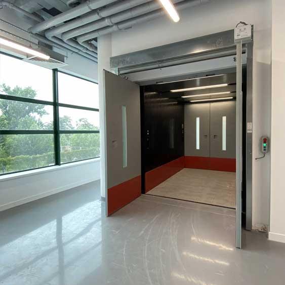 Lift de Marfă Fabrică de Electronice și Componente